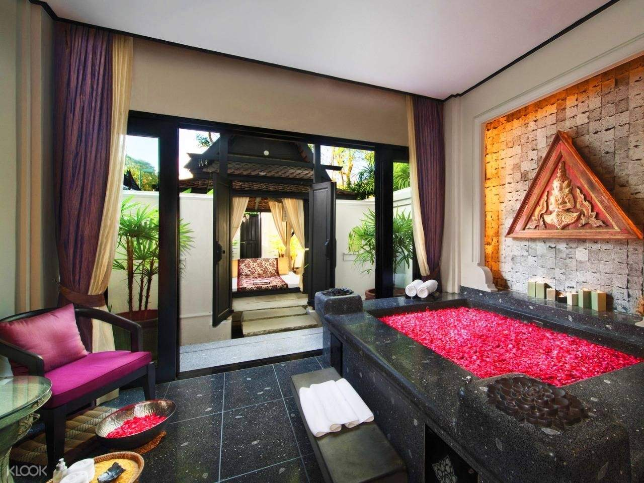 private jacuzzi room 1
