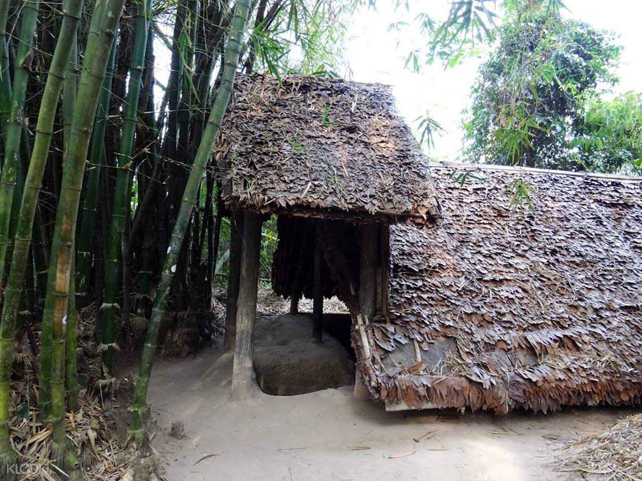 cu chi tunnels full day tour