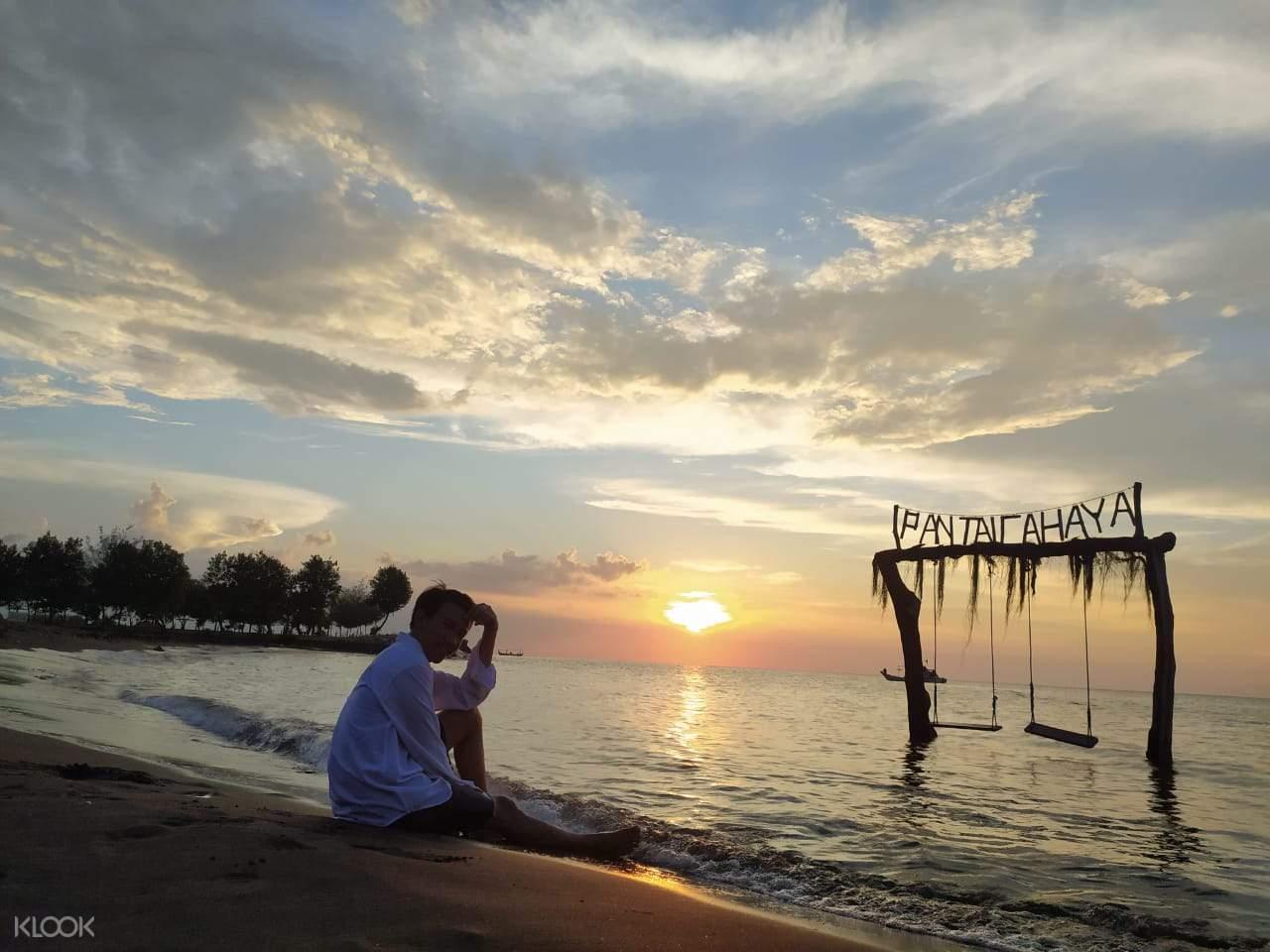 Tiket Pantai Cahaya (Cahaya Beach) di Semarang