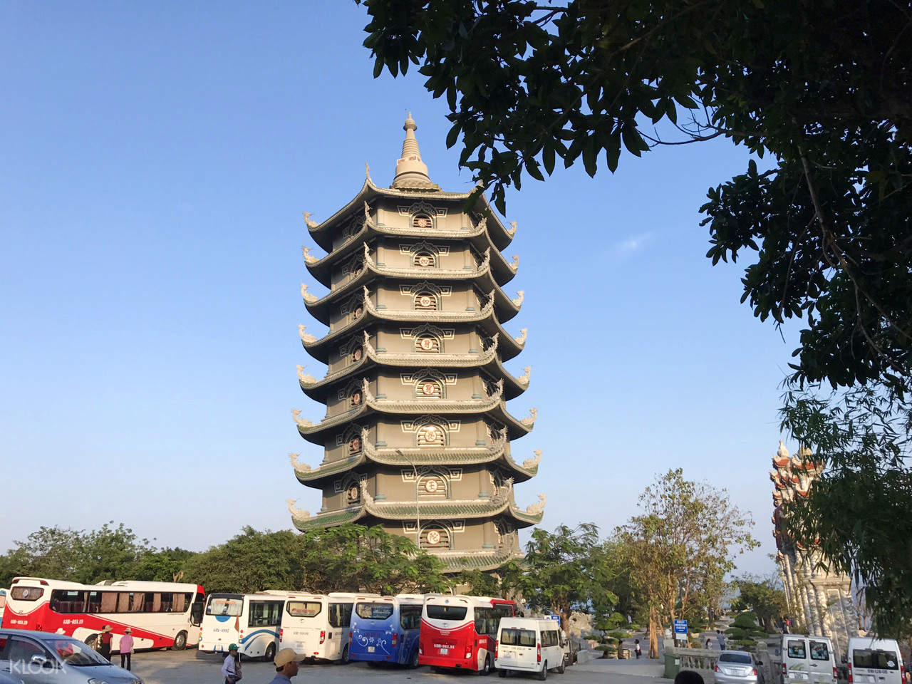 da nang tam thai pagoda tour