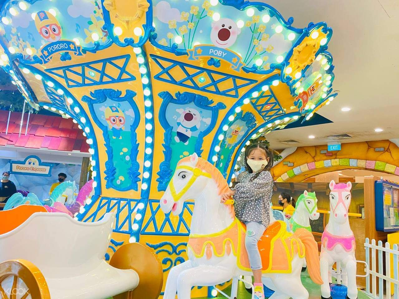 Hop on Pororo Park Singapore's new attraction, the Pororo & Friends' Gallop Station for a fun adventure!