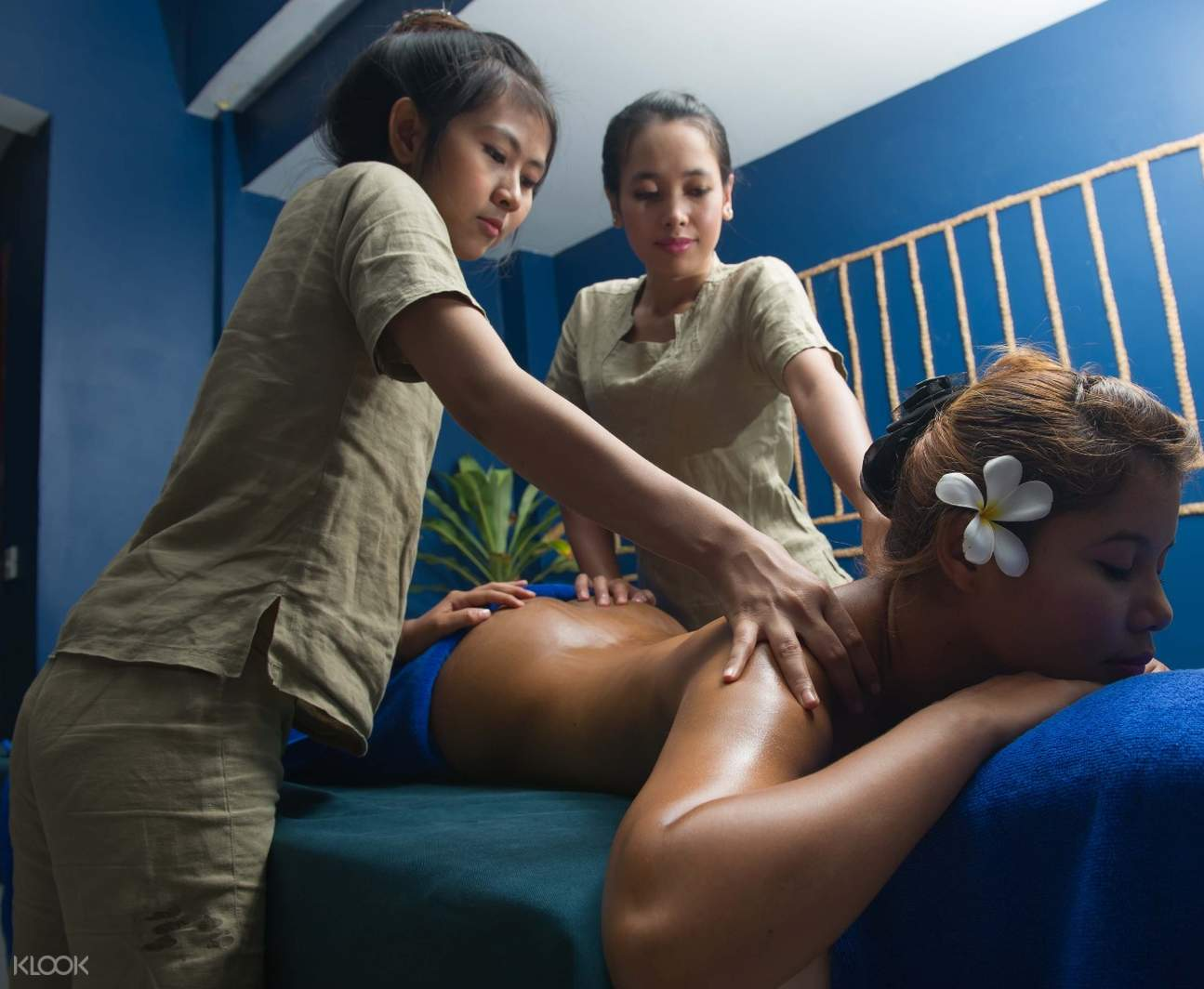 Khmer Relief Spa four hands massage