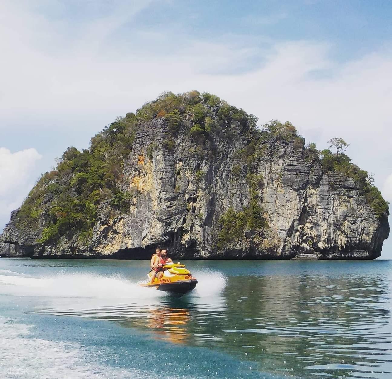 jet skiing around Pulau Dayang Bunting