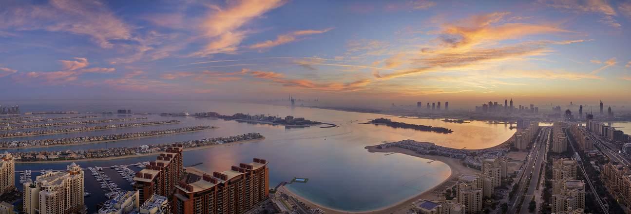 Capture scenic beauty of the sunset by Burj Al Arab.