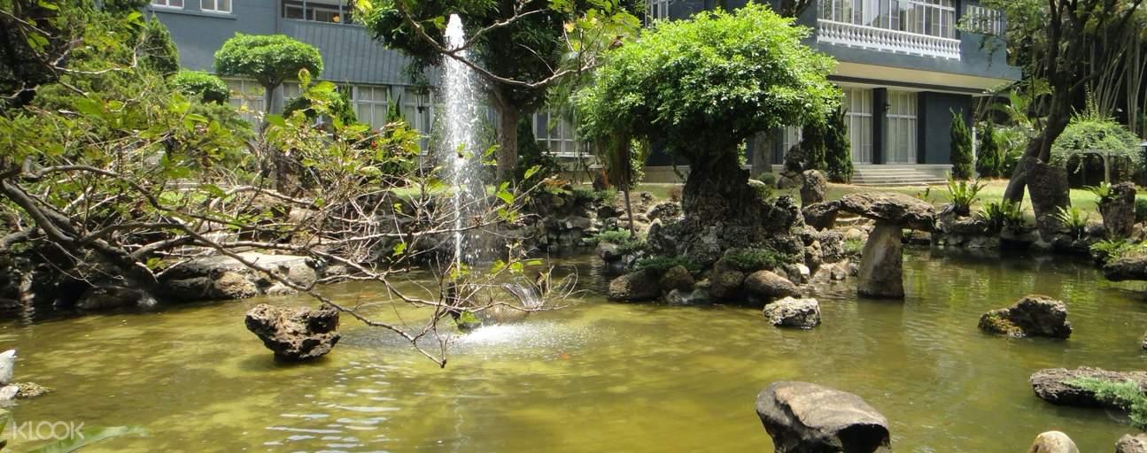 garden inside chiang kai-shek shilin residence