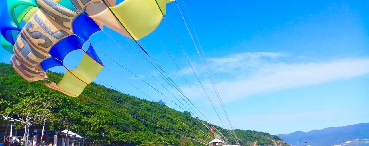 Trải nghiệm cảm giác bay bổng trên vùng nước xanh trong vắt của vịnh Nha Trang