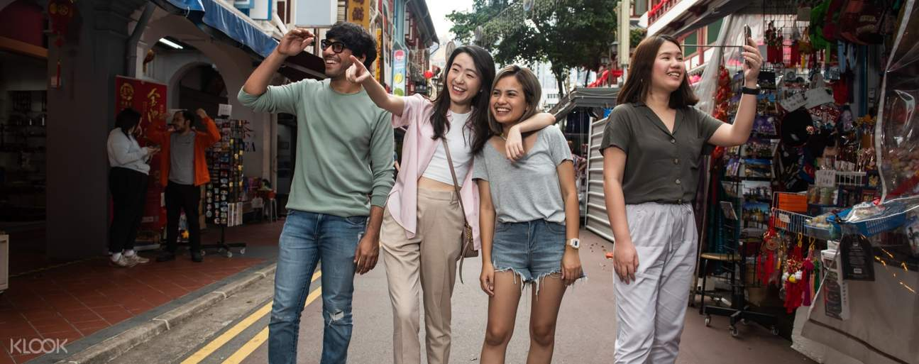 walking tour in singapore's chinatown