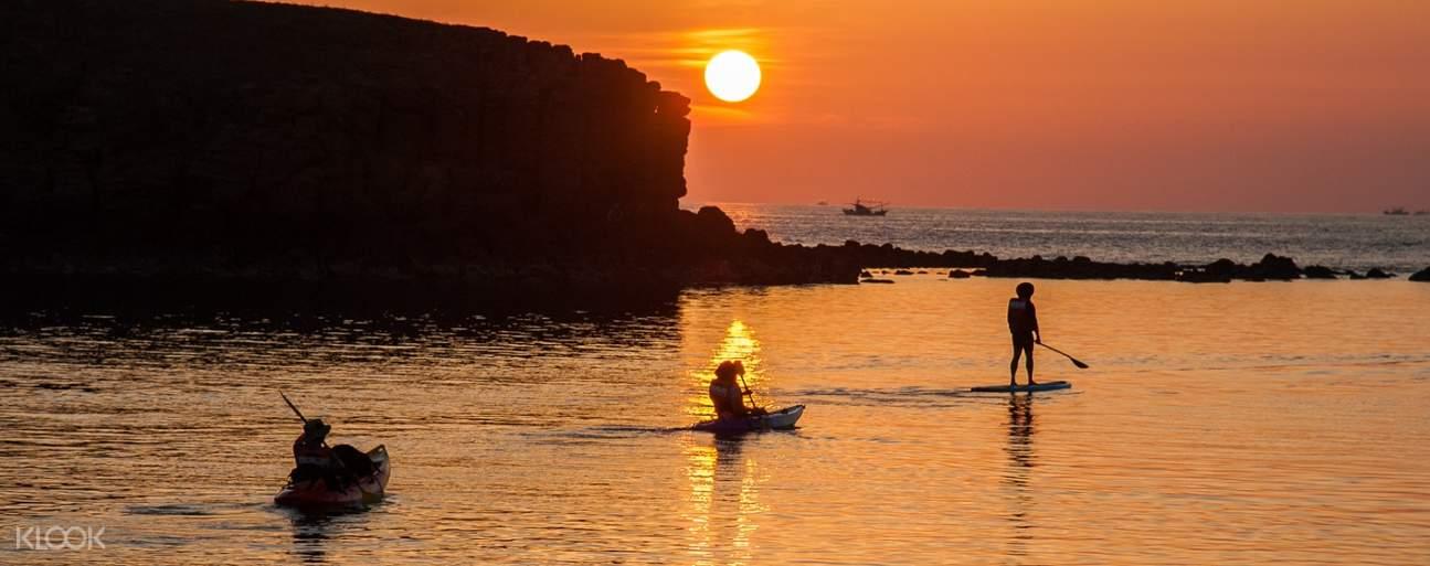 澎湖小門嶼夕陽獨木舟
