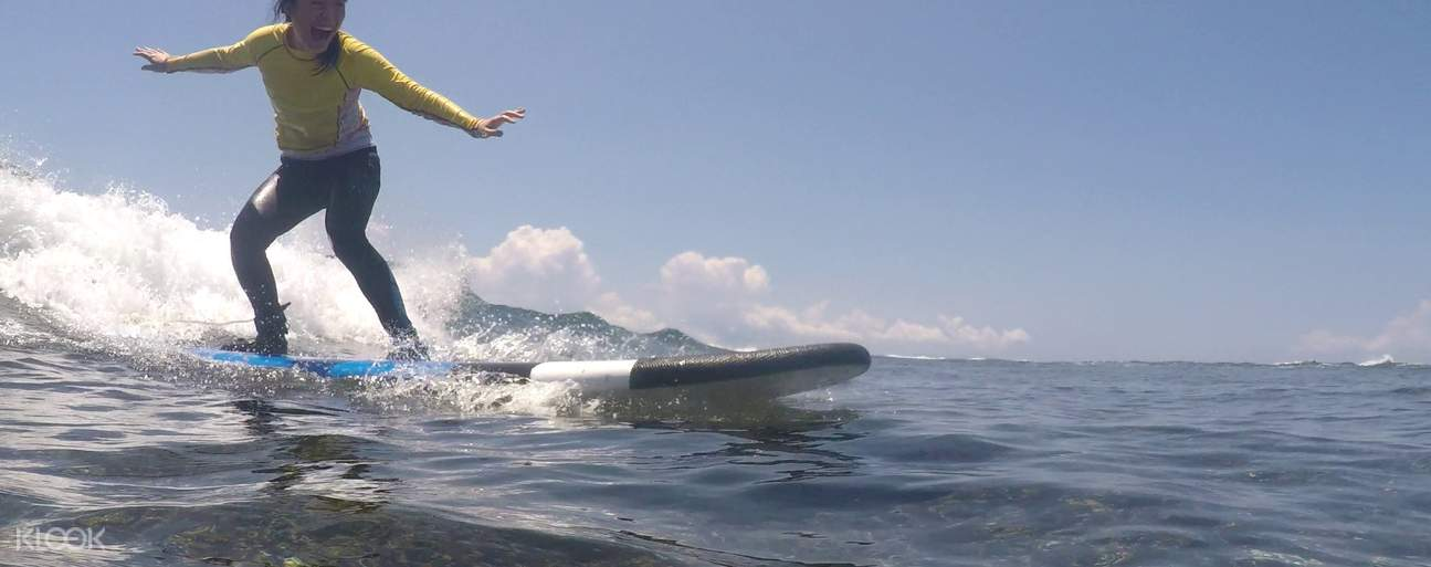 Make your vacation in Lombok more fun when you join this surfing lesson at Senggigi Beach