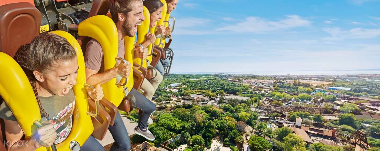Water rides at PortAventura Amusement Park Ticket in Salou