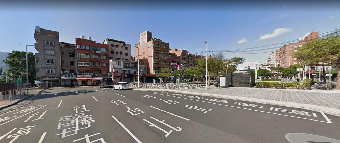 去程接駁地點:捷運淡水站上車處在1號出口出來往左走3-5分鐘的大客車臨停區