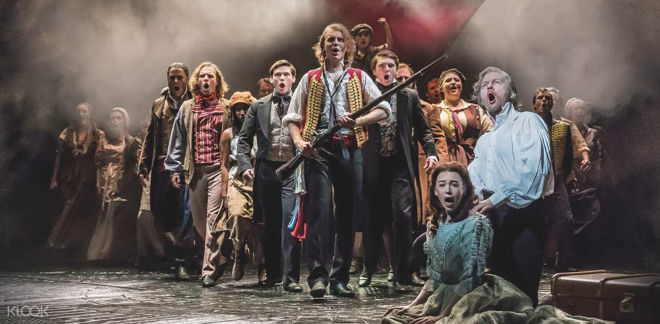 les miserables students