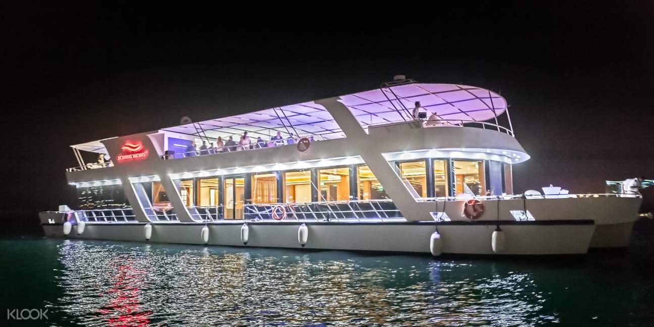 夜遊杜拜濱海奢華遊艇之旅(含自助餐)