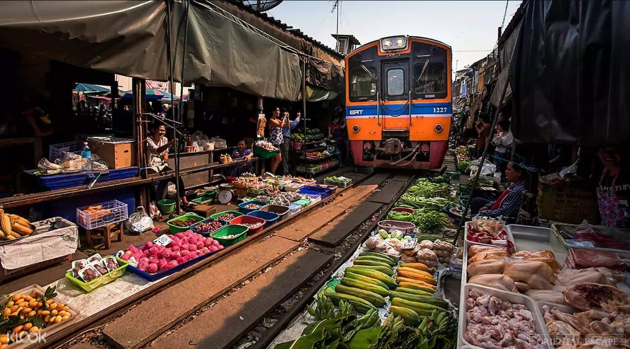 2018泰国宋干节,美功铁道市场,安帕瓦水上集市萤火虫之旅