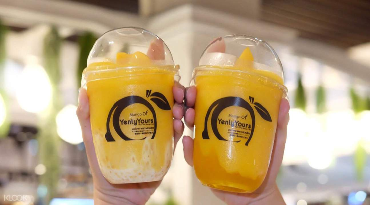 Mango Smoothie with black pearls, Mango smoothie with Sago Pearls, Mango smoothie with Mango Jelly di Yenly Yours Dessert di Bangkok