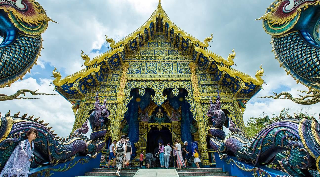 white buddha blue temple chiang rai half day private tour