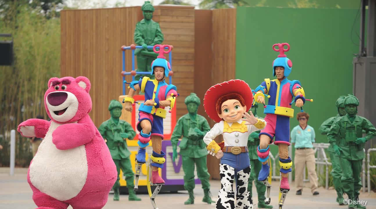與你最愛的迪士尼角色碰面,欣賞他們精彩動人的演出