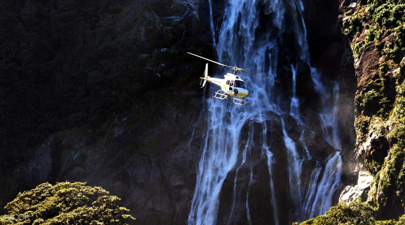 米爾福德峽灣直升機觀光