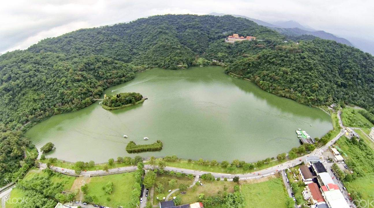 Meihua Lake tour