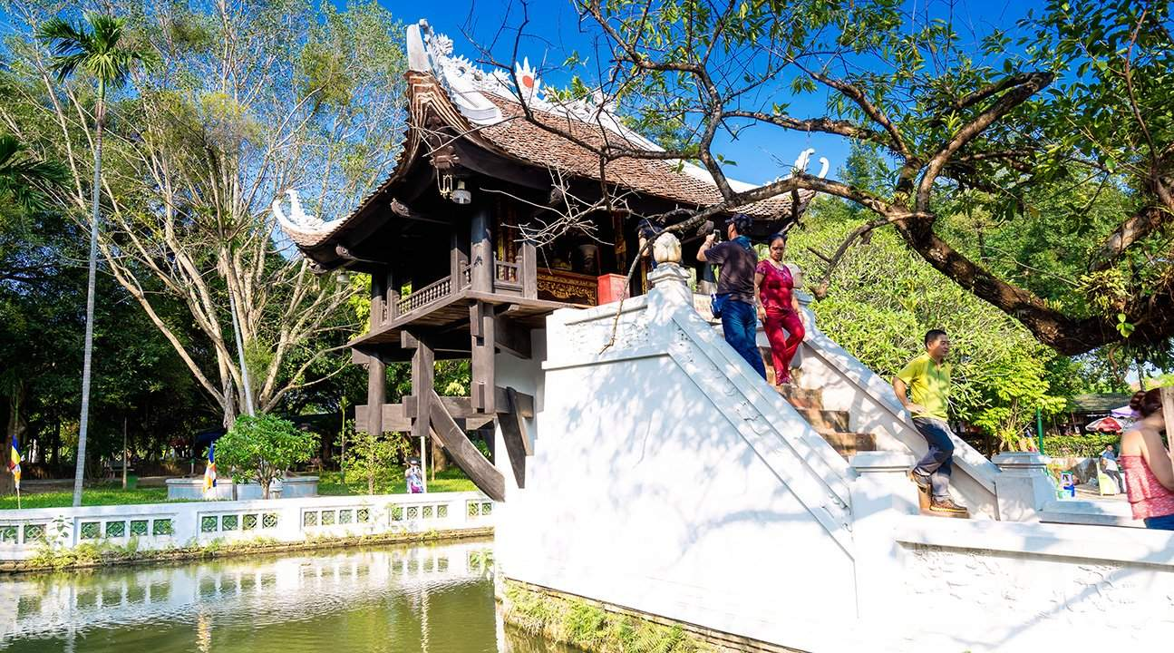 one pillar pagoda