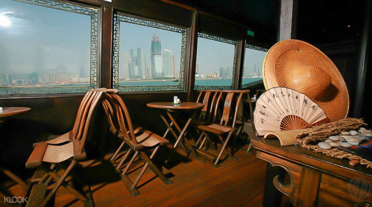 香港张保仔号游艇内部座椅