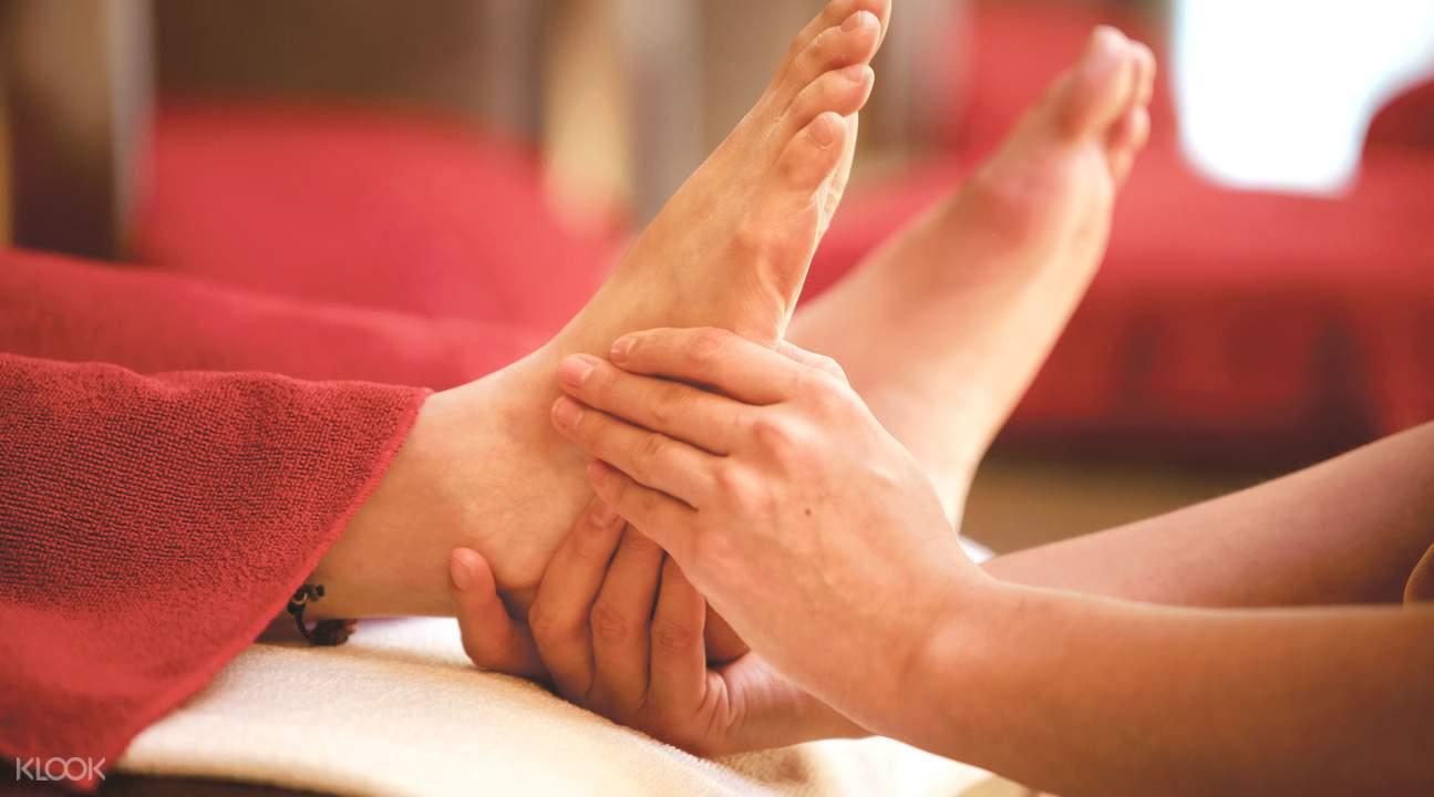 blood circulation reflexology treatment