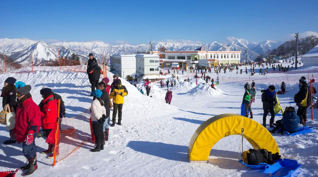 新潟县GALA汤泽是与日本新干线车站直接相通的滑雪度假村