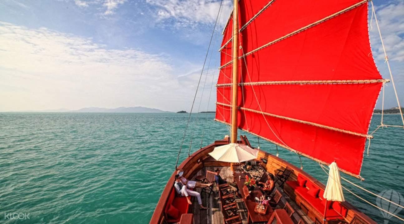 紅星號豪華遊艇海上游