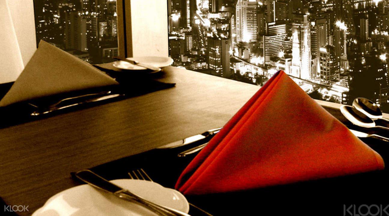 Bangkok Crystal grill dinner