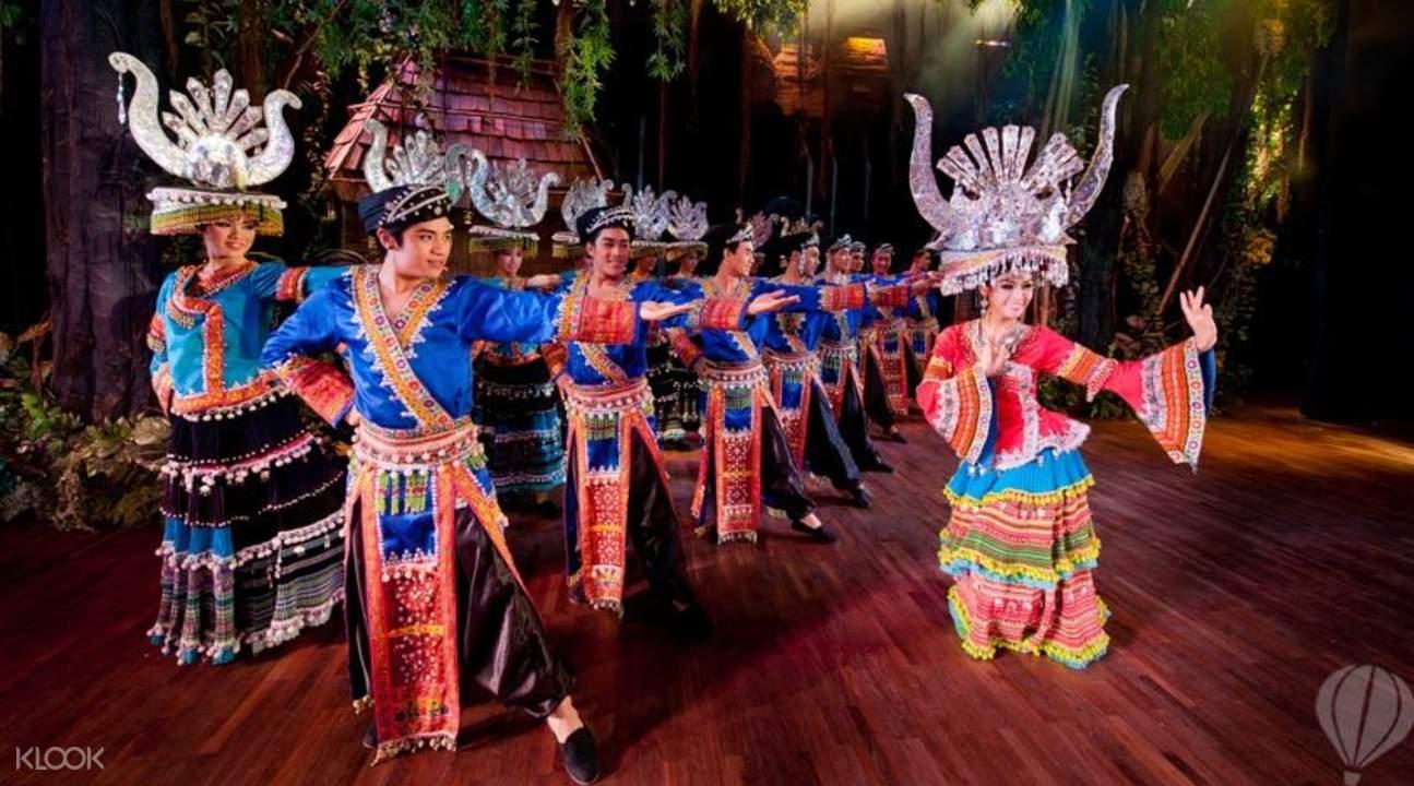 普吉島人妖歌舞秀