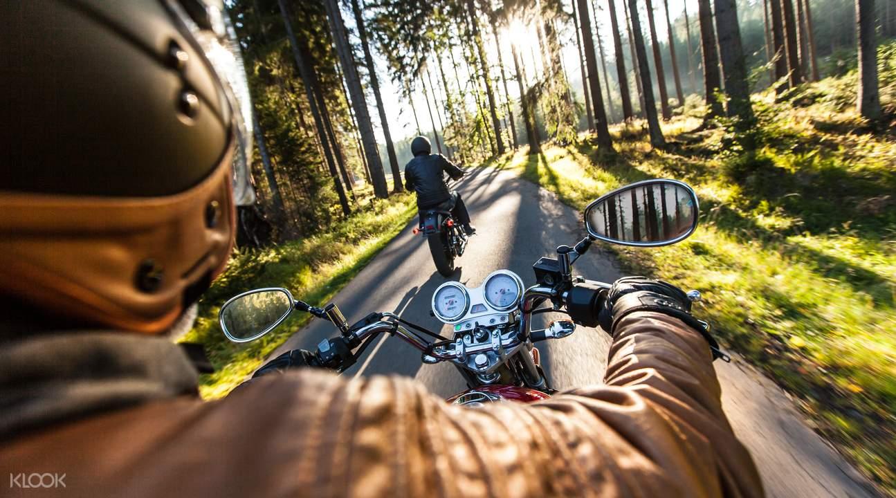 Jiufen motorbike tour