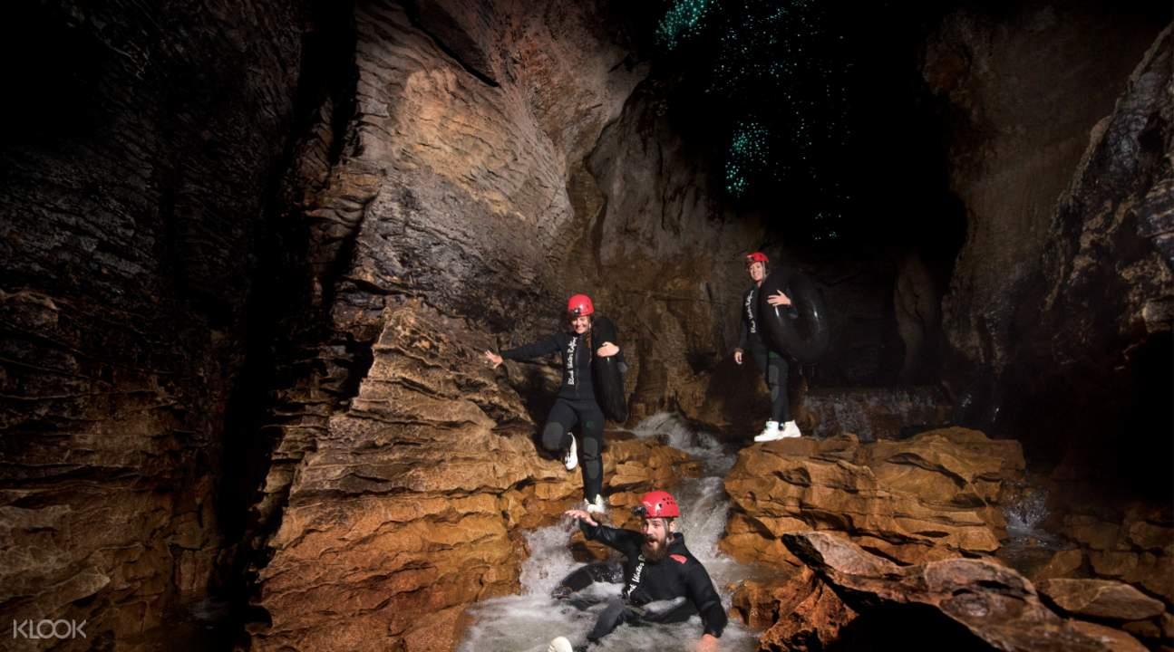 ruakuri cave climbing