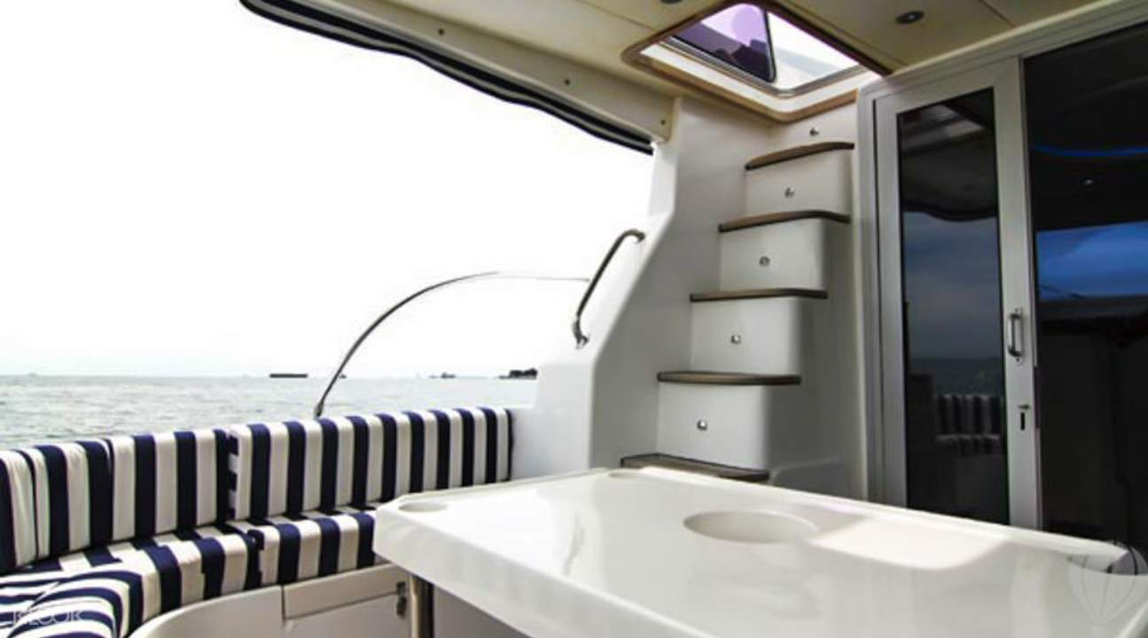小型私人遊艇