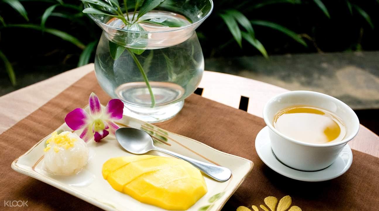 mango sticky rice bangkok