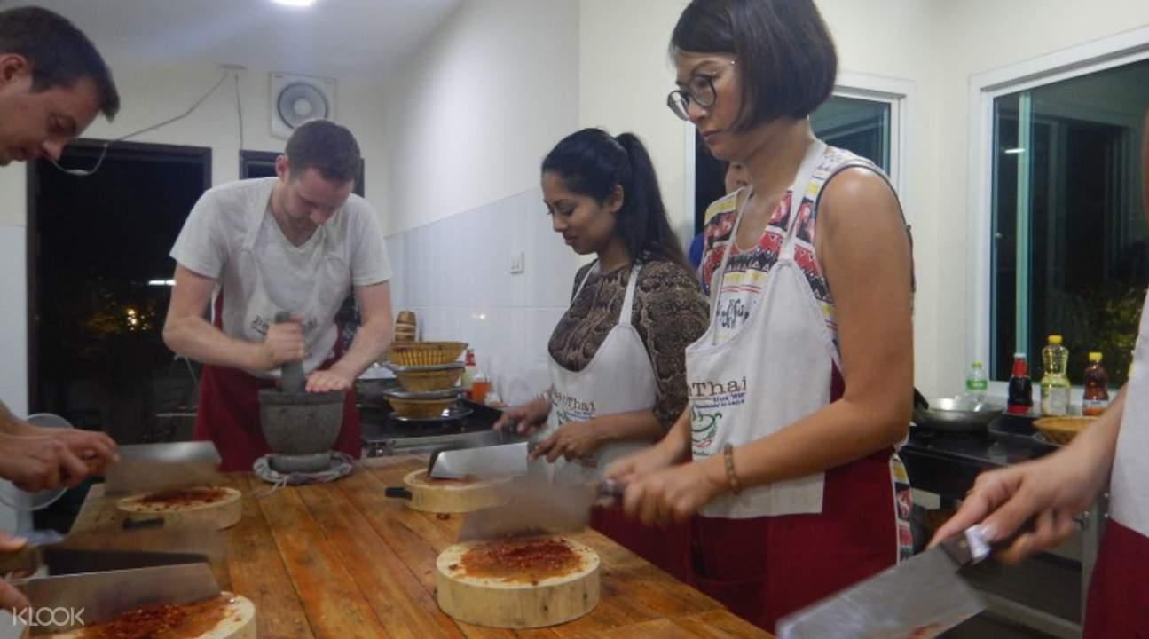 清迈班泰烹饪课堂