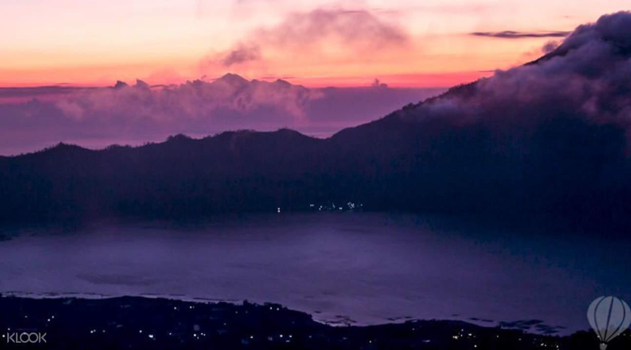 巴杜尔火山日出