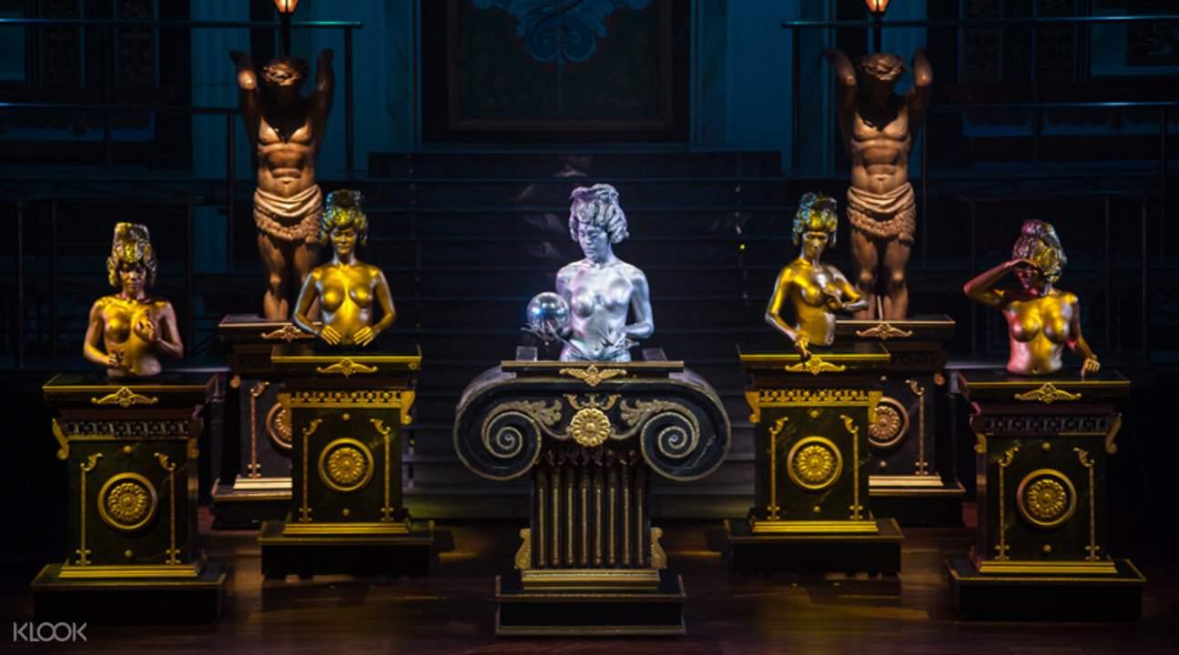 Pattaya cabaret