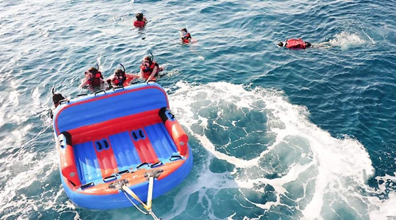 豪華遊艇海上行或派對