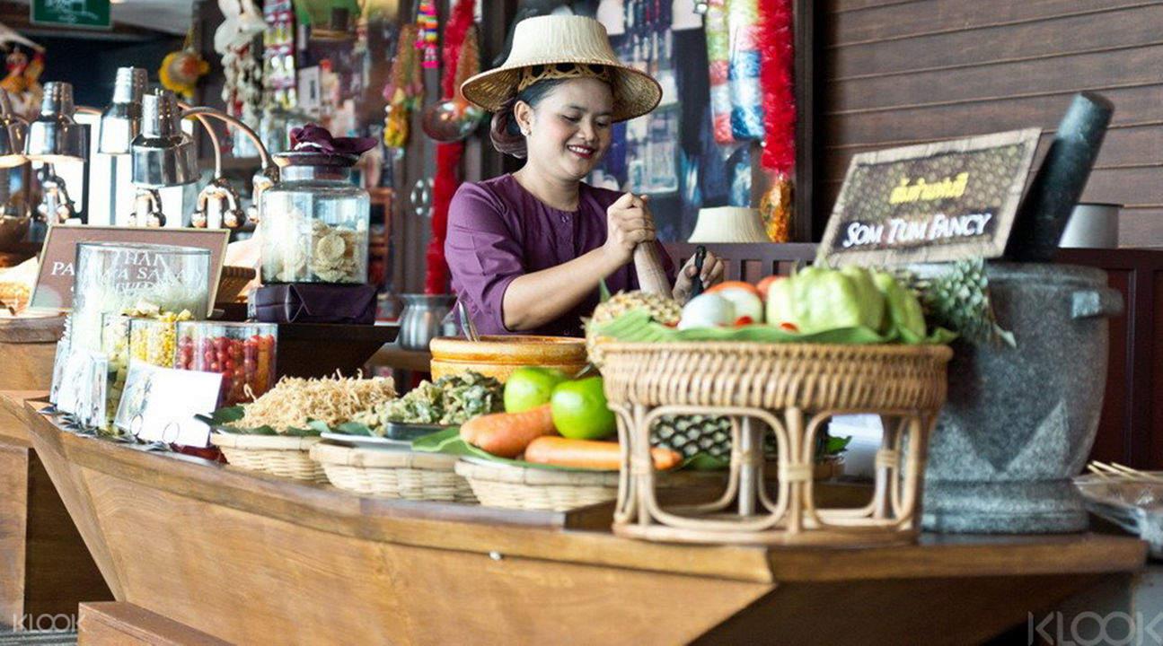 彩虹水上市場自助餐
