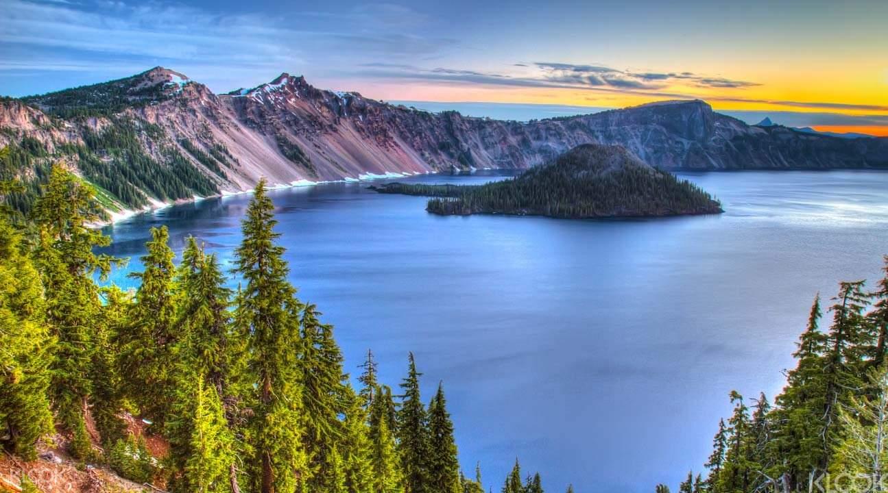 巴图尔火山湖Crater Lake