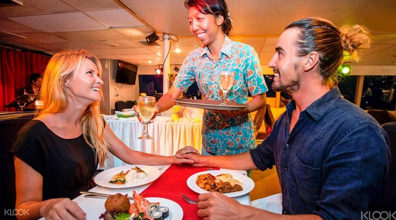 Dinner cruise Bali