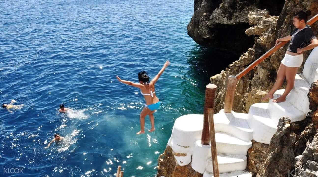 长滩岛悬崖跳水