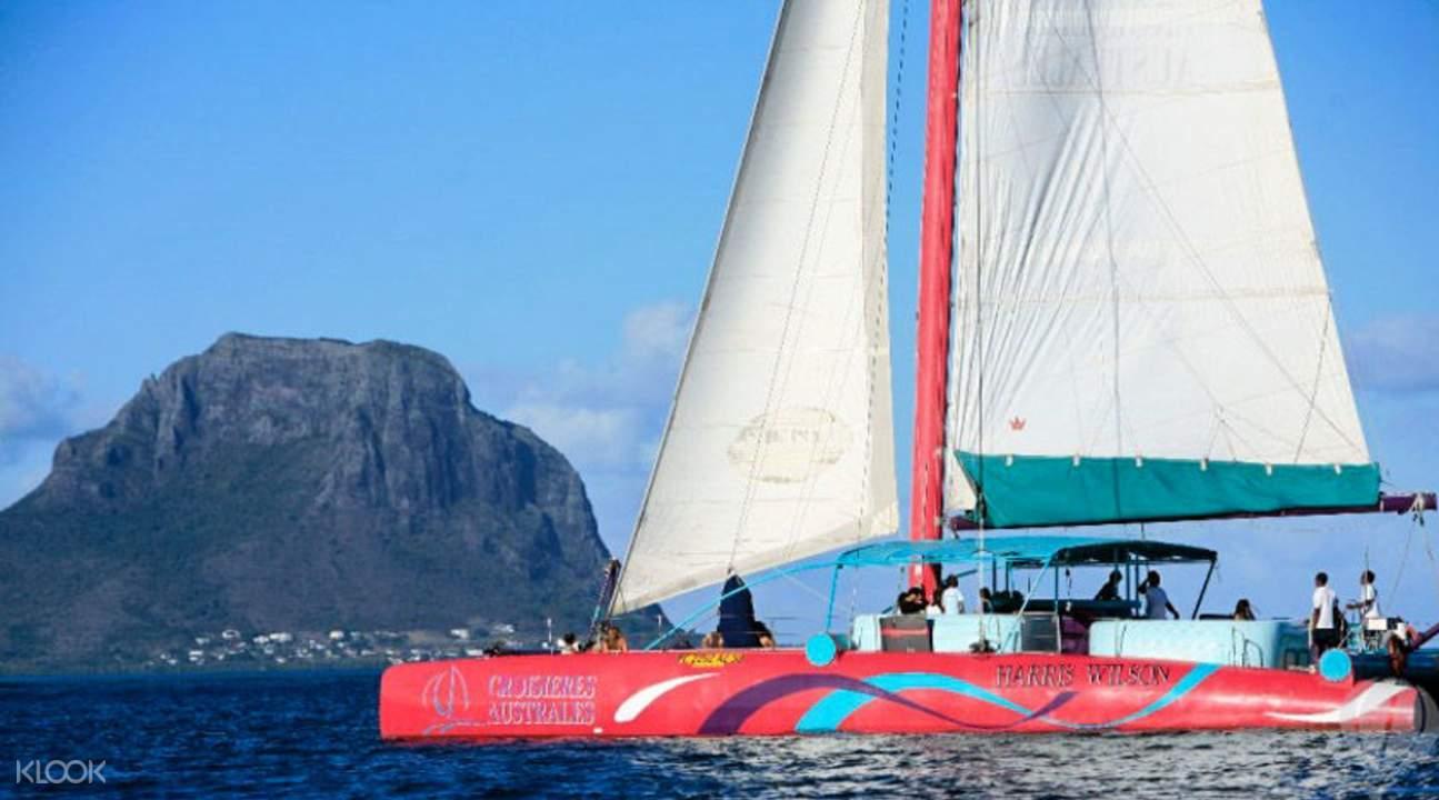 毛裏求斯雙體船巡遊