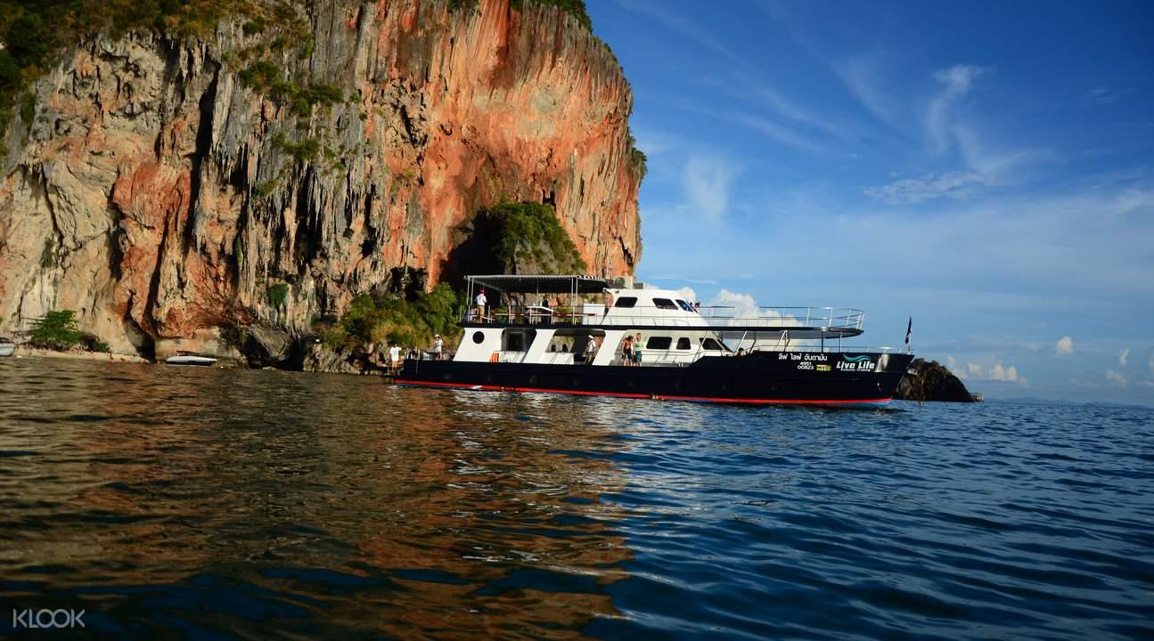 喀比岛游艇