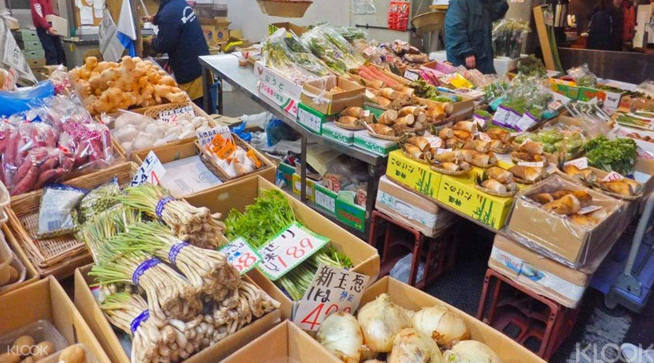 Tsukiji fruit market