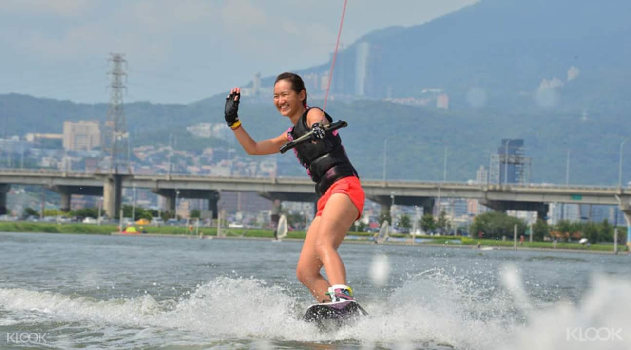 滑水體驗與挑戰