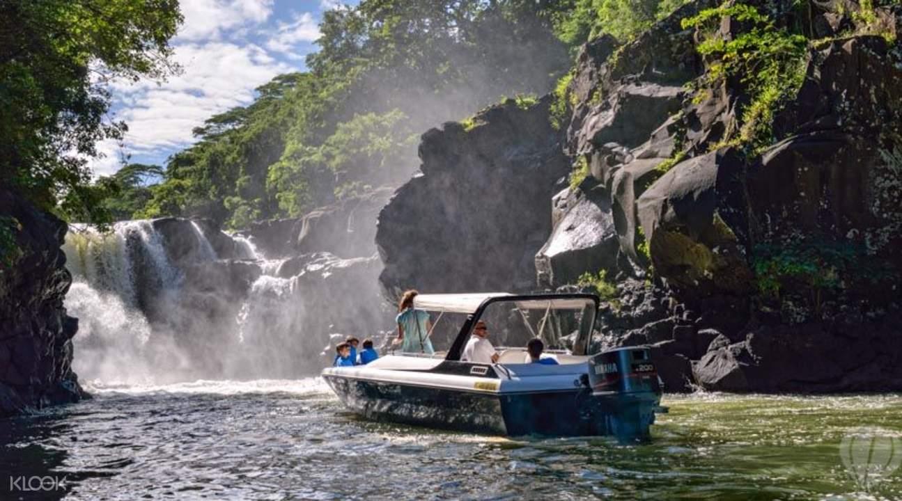 Speedboat tour in Mauritius