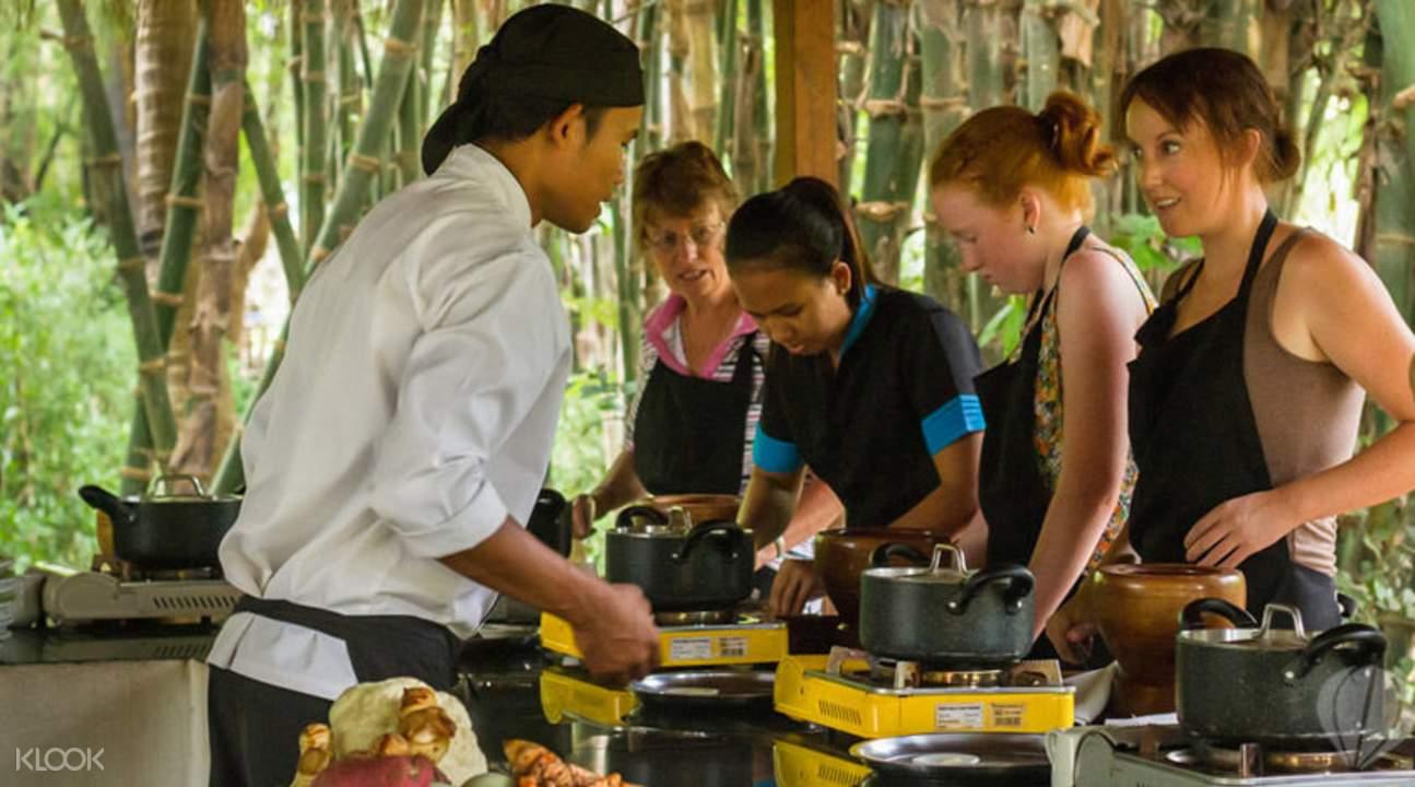 柬埔寨傳統菜式烹飪班