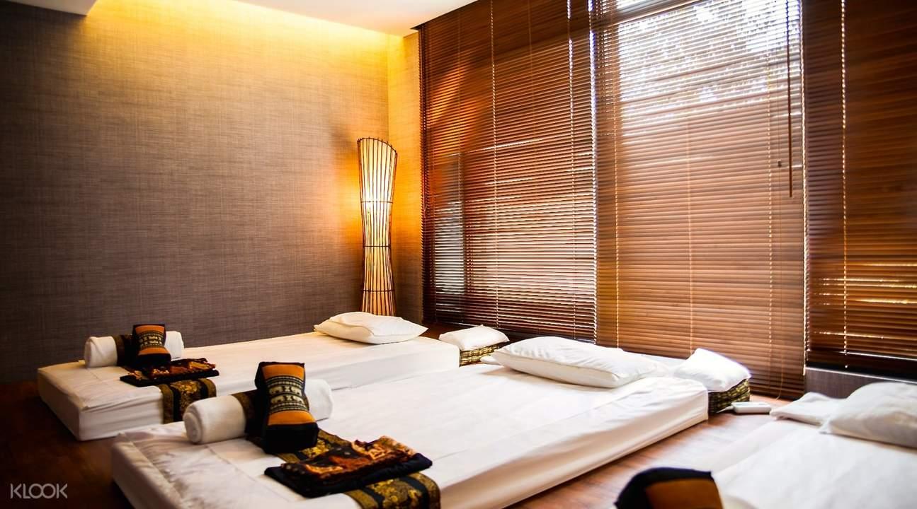 massage beds inside villa.like spa in taipei
