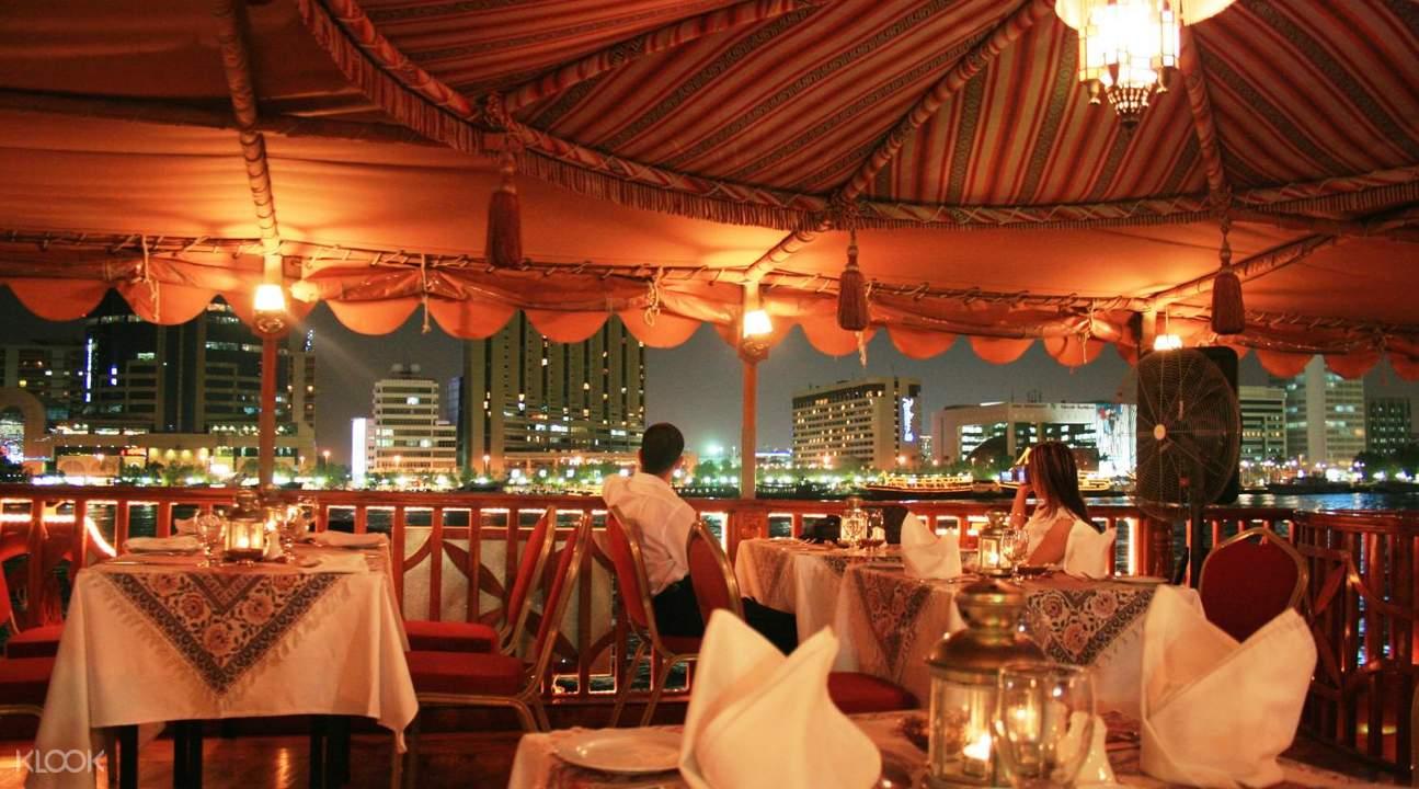 迪拜海湾帆船自助餐